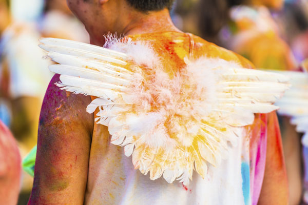 Color runner with angel wings