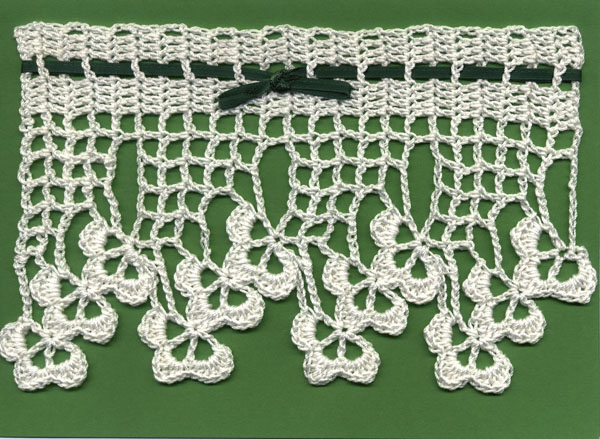 Shamrock lace repeating pattern