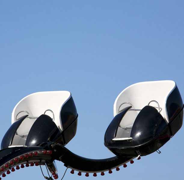 Ascend in carnival fair ride
