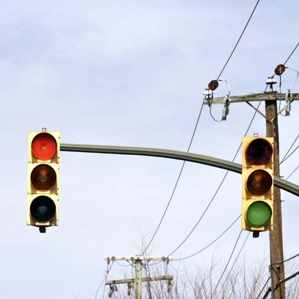 Green and red traffic signals